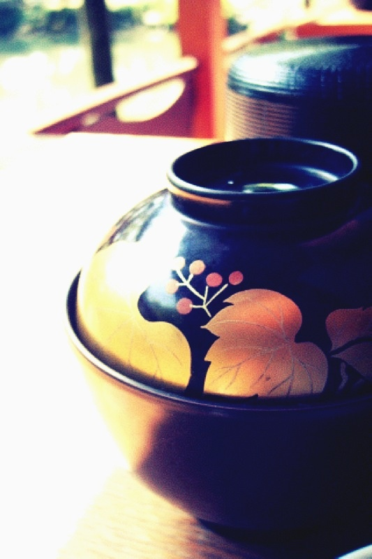 Japanese lacquer ware: Japan Lacquer, Japan Kenrokuen, Art Lacquerware Japanese, Japan 一番, Japanese Beautiful, Grazia Japanese Heart, Japan Beautiful, Japan Beauties, Art Lacquerwar Japan