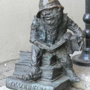 https://en.wikipedia.org/wiki/Ossolineum  Ossolineusz, Ossolinczyk - Zaulek Ossolinskich, przy…