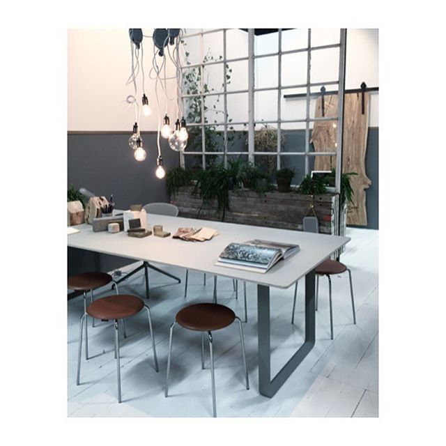Day 2 - Stockholm furniture fair - meeting room by Christine Rudolph #letstalk #trendstand #2016sff  Dot STOOL by @fritz_hansen #fritzhansen - TABLE 70/70 by @muutodesign #muuto -  LIGHT A27 pendant Matt Black by @framacph  #framacph -  olivewood Houses & olivewood sliding door by @artbrugi #andreabrugi - reclaim window by @genbyg #genbyg #christinerudolph @sthlmfurnfair