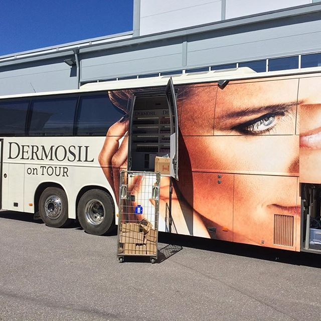 Live from the HQ: we are getting the bus ready for takeoff! This week we'll stop by at Jyväskylä, Kuopio and Joensuu 🚌💨 #dermosilontour #dermoshophq