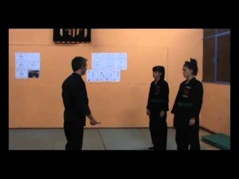 Defensa Personal | Técnicas de Defensa Personal - Ataque con cuchillo | Bumon Street Applications
