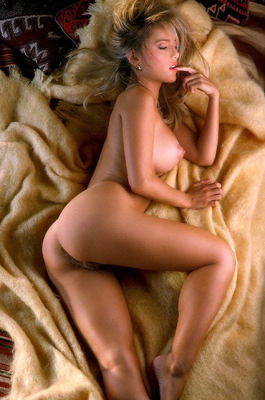suzie-simpson-nude