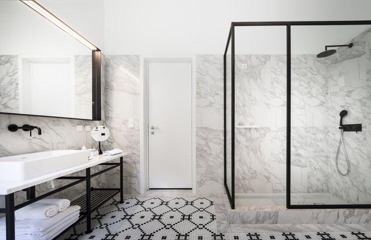 I bagni in bianco e nero del boutique hotel Adriatic a RovignoBagni dal mondo | Un blog sulla cultura dell'arredo bagno