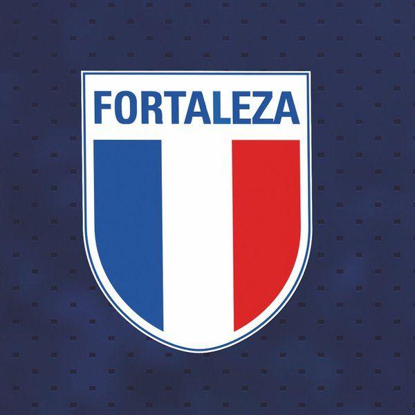 Esse foi o primeiro símbolo do Fortaleza. Utilizado até meados dos anos 40, foi reutilizado em 2014, no 3º uniforme.