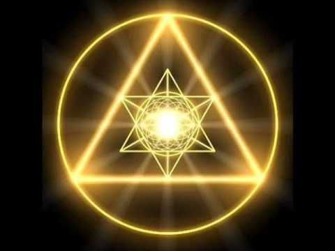 """""""... se alguém nos chamar para caminharmos mil passos, oferecermo-nos para andar dois mil. E, se alguém nos pedir a capa, oferecermos a túnica também. Nessas aparentes perdas que imaginamos ter, aos olhos do mundo, estaremos ganhando, nas questões da alma, os verdadeiros e mais importantes valores que podemos amealhar para nós mesmos"""". http://www.titacarre.com/2013_11_01_archive.html"""