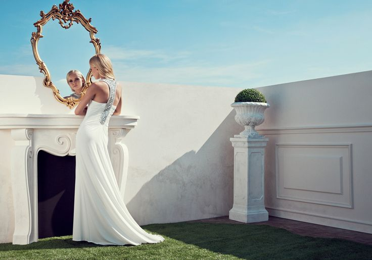 2015 Spring / Summer Collection  Chi è la più bella del reame? Sicuramente la donna Bianca Brandi che sceglie un lungo e sensuale abito con prezioso ricamo.  #moda #abbigliamento #primavera #estate #abito #abitodasera #abitolungo #tulle #abitodacerimonia #abitosirena #specchio  #fashion #coture #fashionvictim #style #fashionwoman #look #outfit #dress #partydress #wedding #weddingputfit #weddingdress #elegance  Abito sirena lungo bianco.