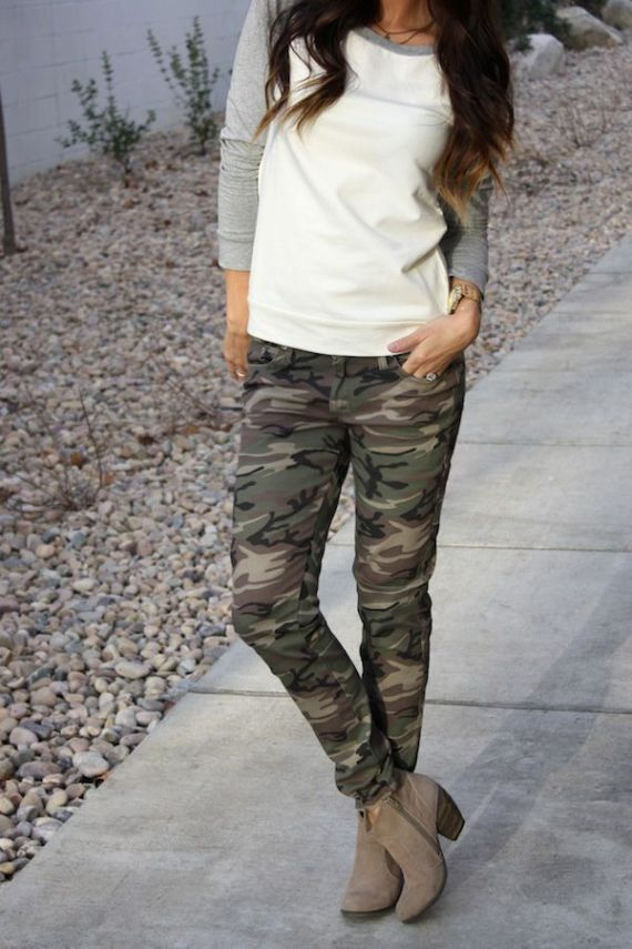 Casual Fall Outfit: baseball tee with camo jeans and ankle boots... LOVE!!!!