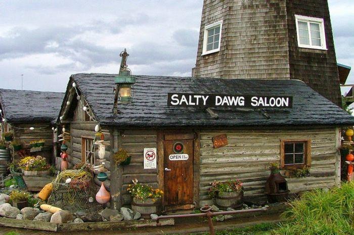 The Dollar Bills of Salty Dawg Saloon – #bills #Da…