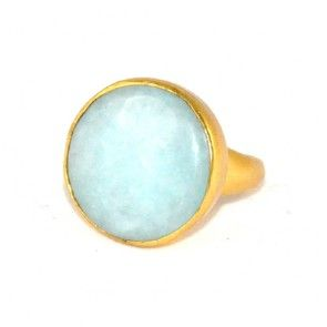 Gold plated ring met ronde lichtblauwe steen