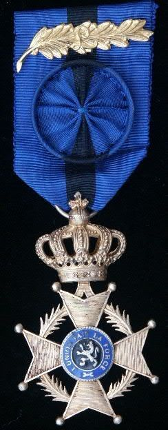 Order of Leopold II Officer's breast badge; Type 2, 1908-1951 unilingual (French); silver 'L' palm on ribbon.