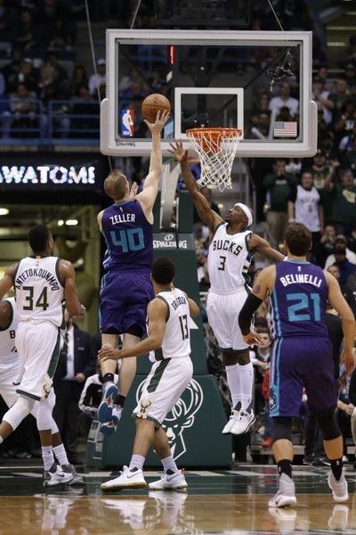 Cody Zeller #40 of the Charlotte Hornets droves to the hoop for two points during the first quarter against the Milwaukee Bucks at BMO Harris Bradley Center on October 26, 2016 in Milwaukee, Wisconsin. NOTE TO USER: User expressly acknowledges and agrees that, by downloading and or using this photograph, User is consenting to the terms and conditions of the Getty Images License Agreement.