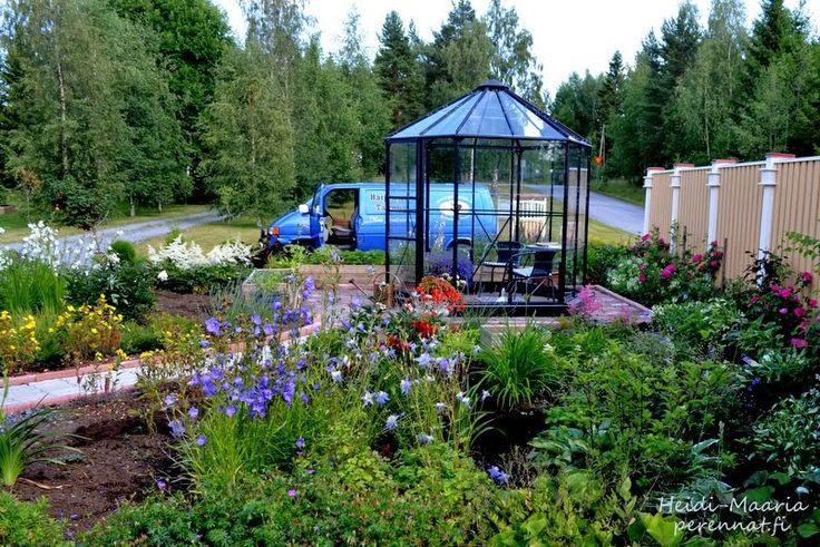 Kukkapuutarha. Toteutus www.perennat.fi