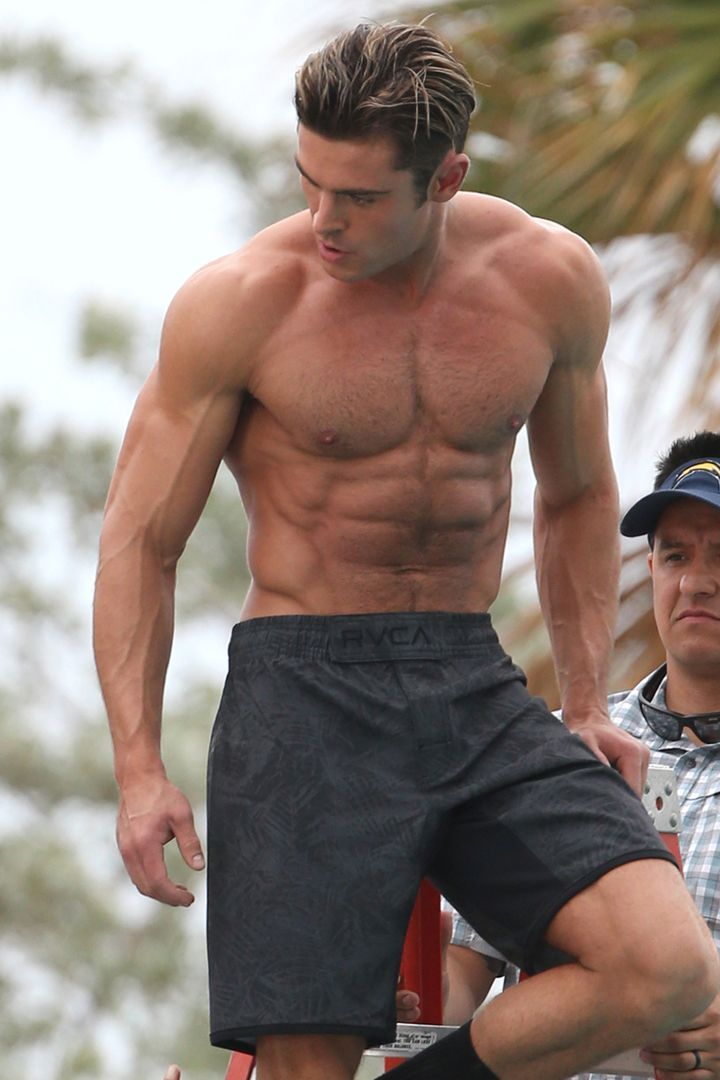 Zac Efron Shoots His Baywatch Lifeguard Scenes, and Suddenly We've Forgotten How to Swim