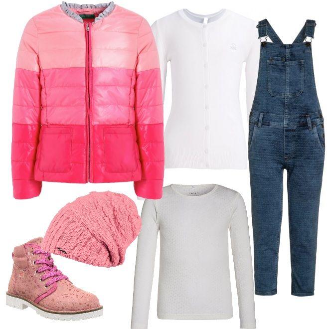Il bianco della maglia a manica lunga e del cardigan si abbina al jeans della salopette, da indossare con degli stivaletti rosa, un giubbotto con gradazioni di colore e un berrettino in lana.
