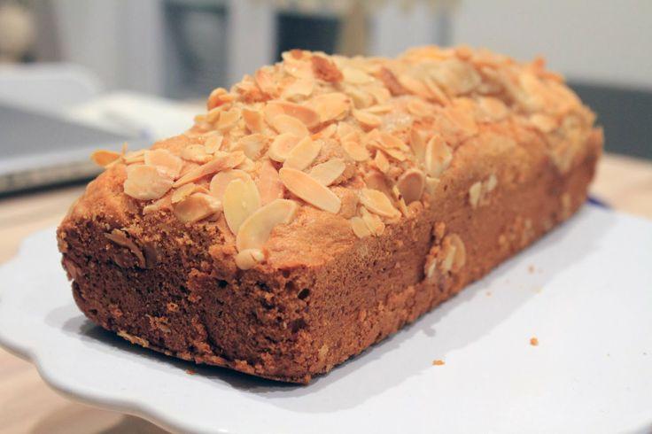 Plum-cake alle mandorle - Chiara Maci