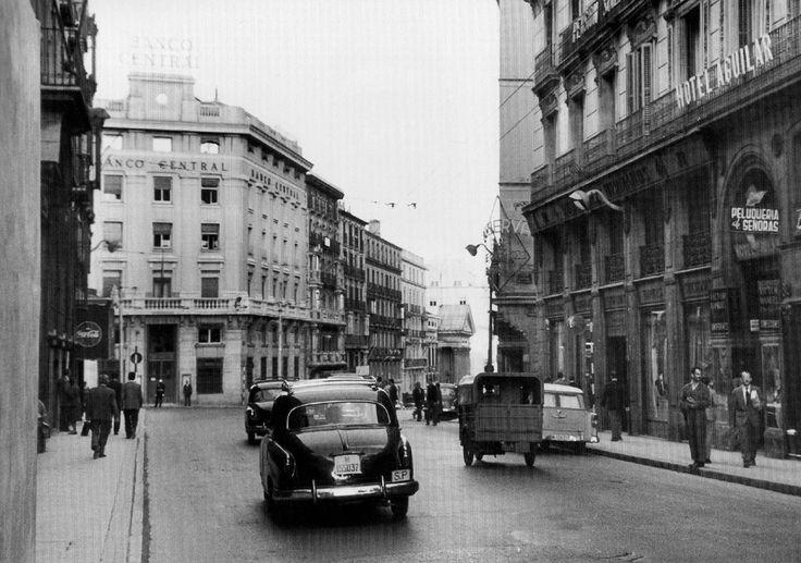 Calle Carretas, posiblemente en la década de 1950 I Madrid