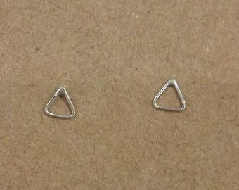 Minimalist driehoek open oorbellen 925 zilver knopjes