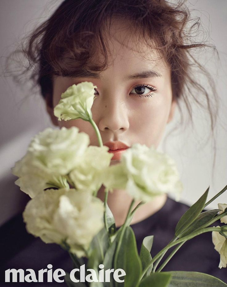 #KimSoHyun Looks Like a Porcelain Doll in Pictorial for #MarieClaire http://www.soompi.com/2015/03/30/kim-so-hyun-looks-like-a-porcelain-doll-in-pictorial-for-marie-claire/ …