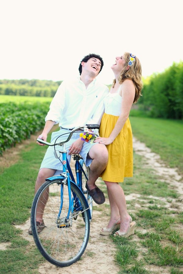 Vappu Dress makes yet another engagement shoot appearance, photographed by Aaron Snow (via style me pretty)