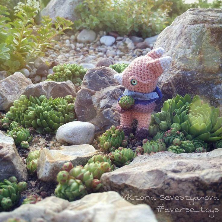 Просыпаюсь,а он все бегает с катышками🌱#handmade #hobby #handmadetoy #crochet #knitting #knit #fox #yarn #хобби #хендмейд #ручнаяработа #рукоделие #авторскаяработа #авторскаякукла #вязаныезвери #вязаное #вяжутнетолькобабушки #вязаныеигрушки #вязаниекрючком #лиса #лисичка #лис #лисица #подаркиручнойработы #succulentus #summer #cabinlife #подарок #авторскаяигрушка #averse_toys