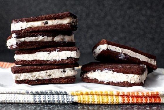 Классический сэндвич-мороженое #Рецепты #Еда #вкусно #ням #кулинария #вкусняшка #Выпечка #Десерт #сладости #Мороженое #шоколад #Рецепты_тут