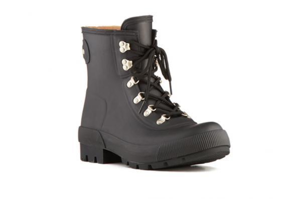 Best Winter Boots for Men: Hunter Cruise Short Rain Boots - The 7 Best Boots for Winter Weather - Men's Fitness