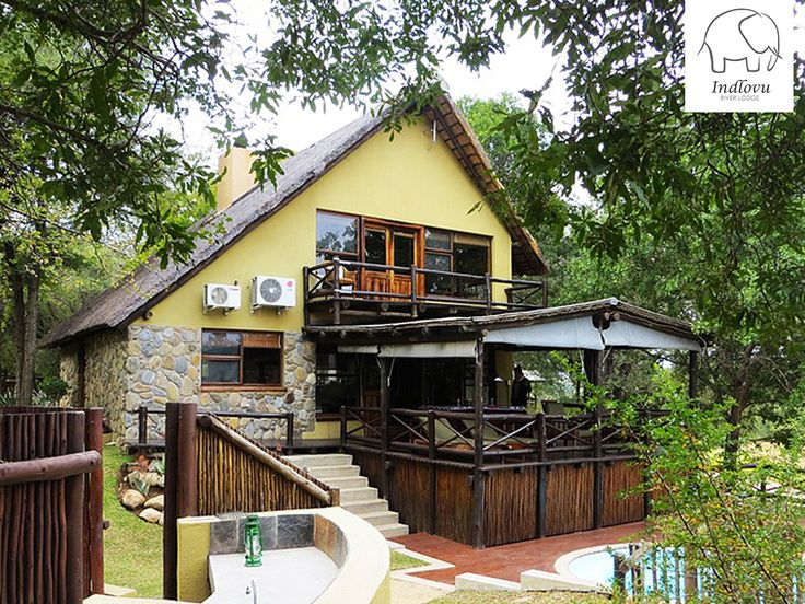 Our Shingwedzi Superior Villa sleeps four in two double en-suite rooms. The main room has an extra-length king size bed. Enjoy your own private deck, pool and boma while staying here.   View rates and availability here: http://ow.ly/GPo3307CEj0