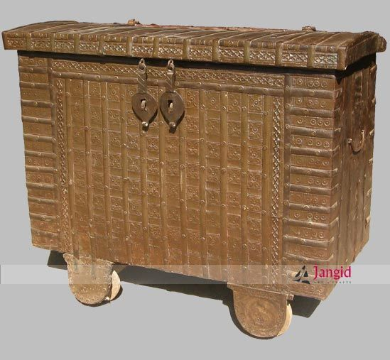 Real vintage unique handmade storage from old indian villages is recently sold to our Germany buyer. We have many more similar trunk chest ready in our stock. Contact us to get wholesale price offer.  Whatsapp :- +91-8561051688 Email :- info@jangidart.com Website :- www.jangidartandcrafts.com #rustic #storageboxes #ethnic #trunkchest #indianvillages #incredibleindia