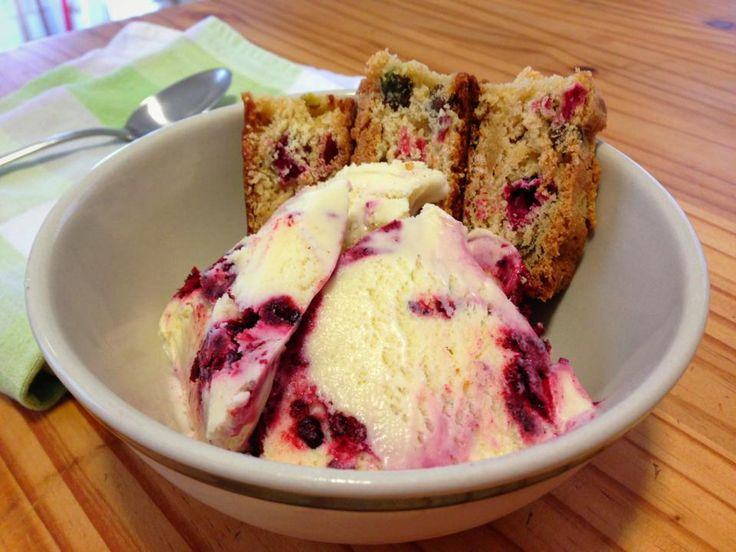blackberry swirl custard ice cream