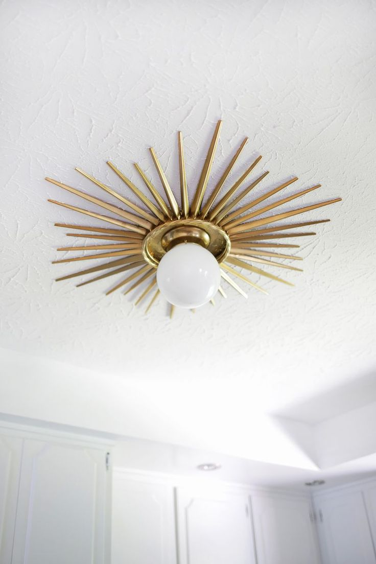 sunburst ceiling medallion, DIY, DIY tutorial, ceiling fixture, light fixture, gold accent #HamiltonHouseInspo