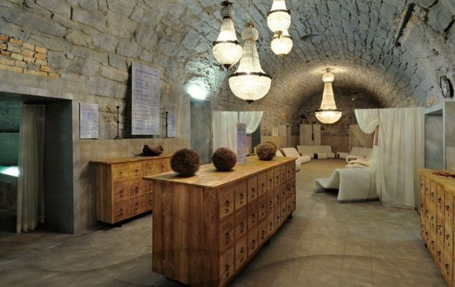 Thermalbad Zürich Umwandlung einer Brauerei in ein Spa-Restaurants Zimmer