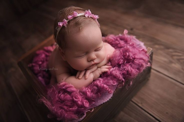 #photoprops #handmade #handcraft #newbornphotpgraphy #newborn #photography #newbornphotoprop #newbornphotoprops #newbornprops #etsyshop #etsy #propshop #prop #woolanddreams #wool #mik #rts #woolblanket #Blankets #blanket #handspun #pink #curlylayers #curlyblankets