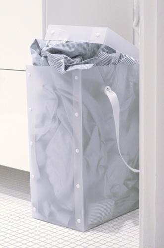 Box bag. Polypropen as a material.
