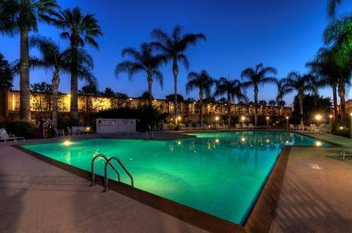 Valley Inn Mission Hills California Vacation Mission Hills Vacation Deals