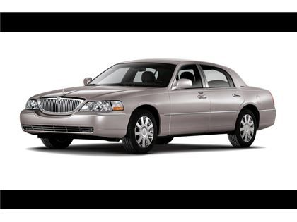 """Auto  - 2010 Lincoln Town Car  à KITCHENER, ON  15 000 $"""