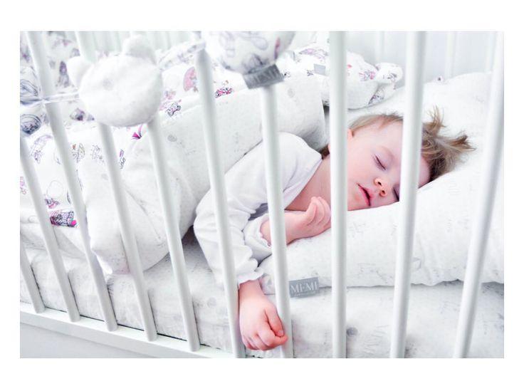 8 mitów dotyczących snu dziecka  http://dziecisawazne.pl/8-mitow-dotyczacych-snu-dziecka/