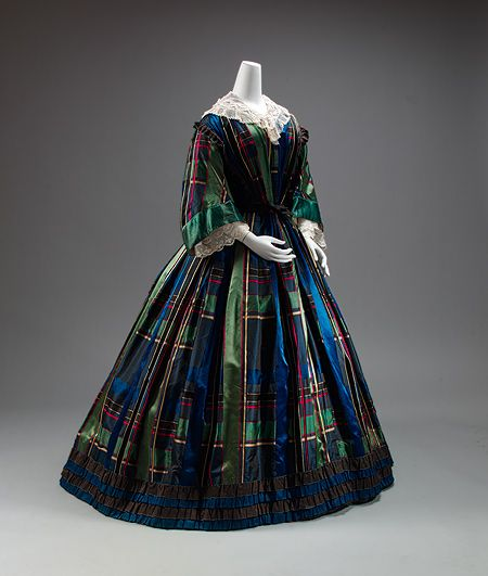 Day dress, ca. 1857. The vogue for tartanlike plaids, whether or not with clan…