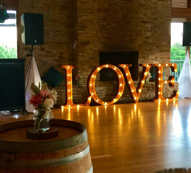 Cocktail weddings at Millbrook Winery | Lettesr - Vintage Letters & Co | Flowers - Pick Me Flowers