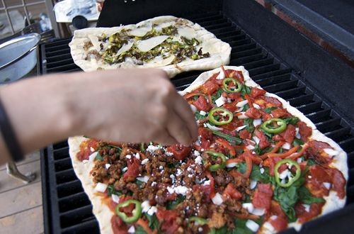 Brussels Sprout Pizza & Enchilada Pizza on the grillFoods Justa Grilled En, Grilled Flames, Caramel Onions, Brussels Sprouts, Food Justa Grilled En, Enchiladas Pizza, Foodies Craze, Grilled Enchiladas, Food Photos