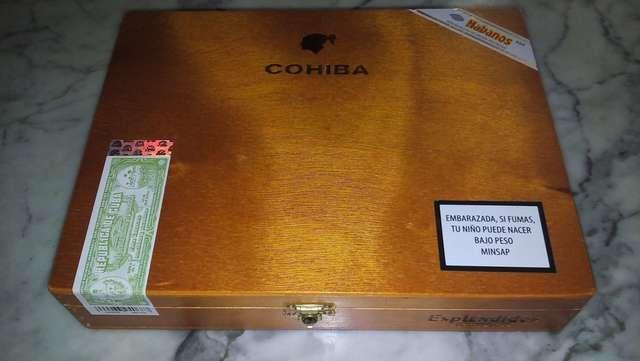 . Vendo cajas de puros cohiba espl�ndidos,recientraida de cuba original de fabrica.precio m�dico de 80 �. Mas barata no podras encontrarla . No dud�is en contactarme .saludos.