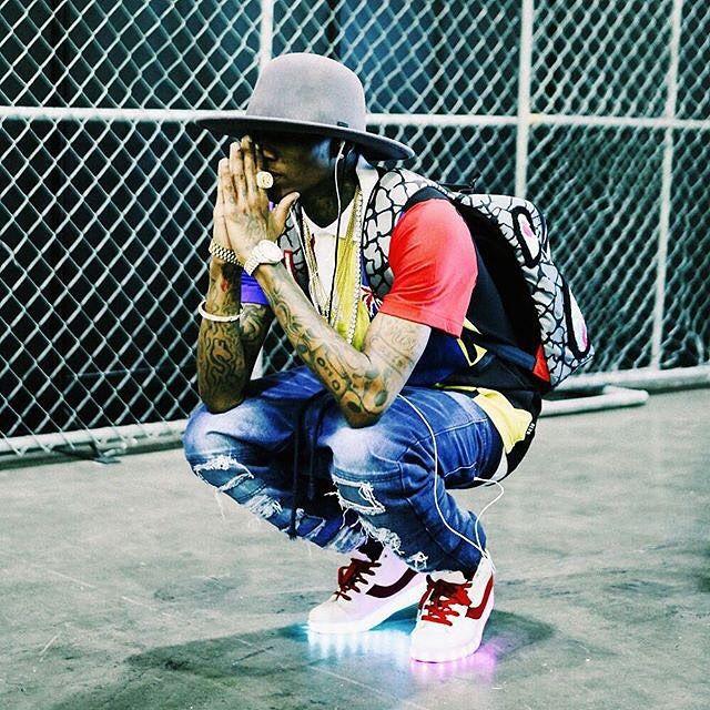 Soulja Boy SBeezy Lights Sneakers (2)