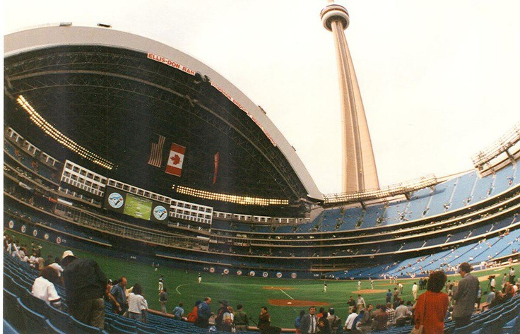 SkyDome, first Blue Jays game, June 5, 1989.