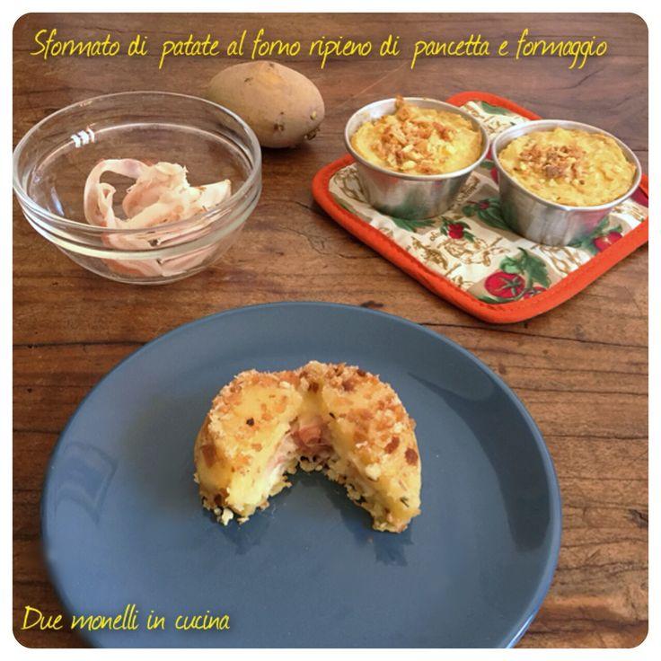 Lo sformato di patate al forno ripieno di pancetta e formaggio è un secondo piatto sfizioso perfetto per una cena ma anche per un buffet salato