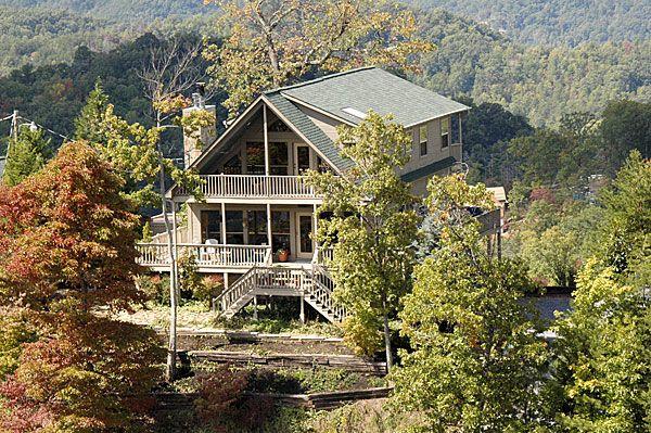 Dreamcatcher cabin in Wears Valley, TN - A Smoky Mountain Rental Cabin