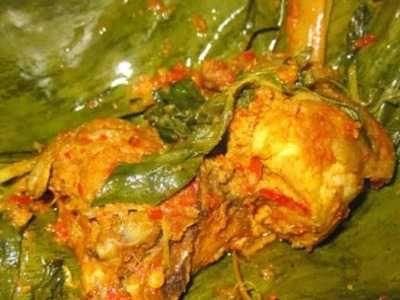 Pepes Ayam - Disini ada panduan cara membuat olahan masakan resep pepes ayam kampung tulang lunak bumbu kuning asli sunda yang enak, pedas, empuk serta sangat spesial.