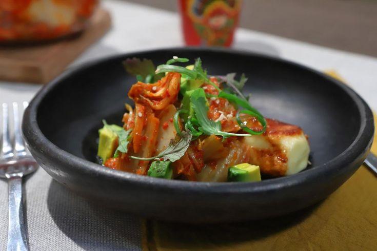 Prueba esta receta de la cocina oriental, por Lis Ra en El Gourmet. Tostadas, Kimchi, Halloumi, Thai Red Curry, Cooking Recipes, Fresh, Ethnic Recipes, Sweet, Soups
