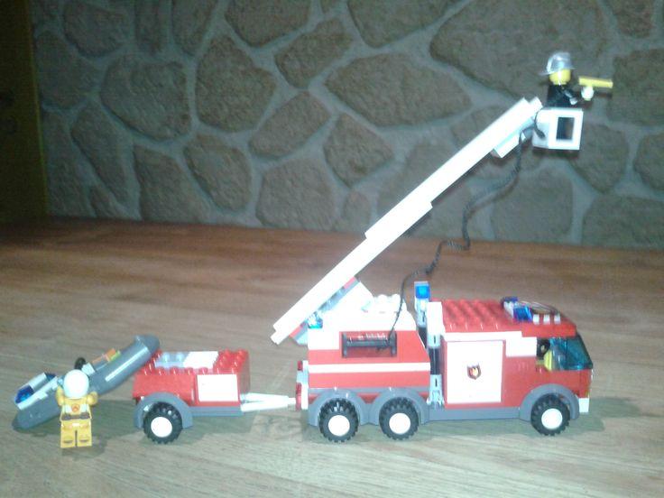 lego fire truck 7239