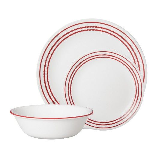 The Corelle Dinnerware Collection Set of 6 has casual plates that work for any occasion. The collection of plates includes lunch and dinner sizes. Choose between black, white, or red rims, and know that they're safe for the microwave or dishwasher.