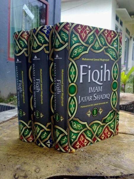 Judul Buku: FIQIH IMAM JA'FAR SHADIQ AS dalam permasalahan Ibadah dan Muamalah Lengkap. Penulis: Ayatullah Muhammad Jawad Mughniyyah, Penerbit: Lentera Tebal: 3400 Halaman Jenis Cover: Hard Cover ISBN: 978-9-792-43354-8 Harga 3jilid lengkap: Rp. 590.000,- diskon jadi 470rb Pesan di inbox, 021 77884472, 085324521168, pin BB 22A75C33