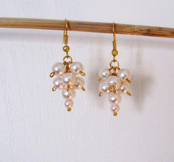 Rose perle boucles d'oreilles.  Boucles d'oreilles or. Cadeau de fille de fleur. Demoiselle d'honneur Junior. Bijoux de mariage. Fait au Canada